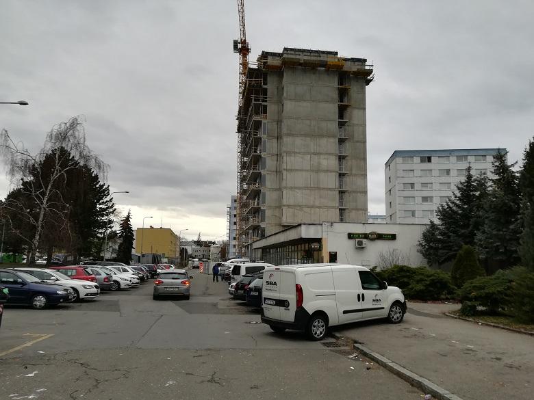 Do novostavby v pražské Hostivaři se nastěhují noví majitelé bytů již příští rok